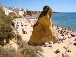Private transfer from Faro Airport to Albufeira till 4 Persons